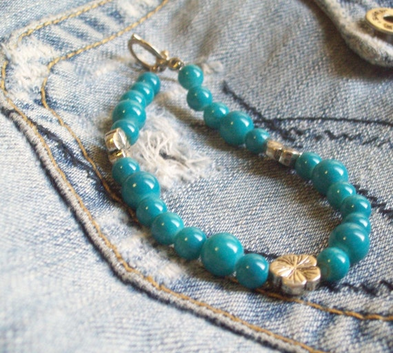 Blue Bracelet glass beads and metal flower beads Med B-P2010-0013