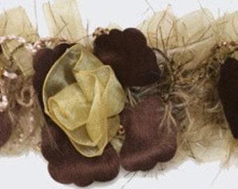 E5665 Beige Flower Stretchy Sewing Trim - BG