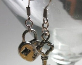 Key To My Heart - Earrings