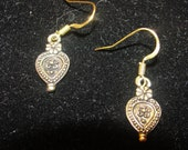 Simple antique gold earrings