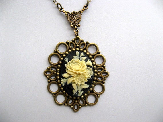 Romantic Victorian Cameo Necklace - Vintage Renaissance Era Necklace - Antique Bronze - Rose