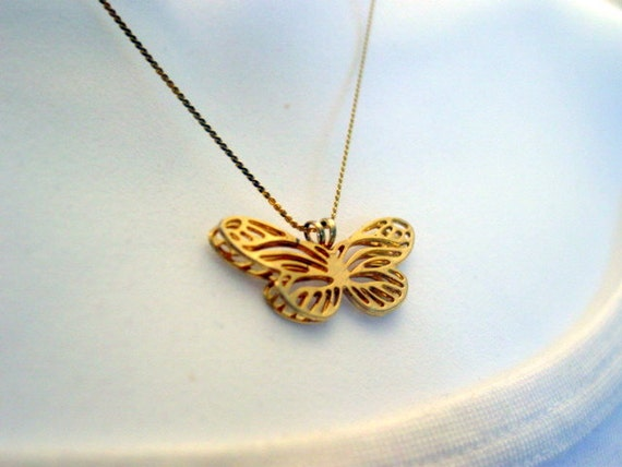 Vintage Butterfly Necklace, Gold Tone Butterfly Charm Necklace Vintage Jewelry Jewellery
