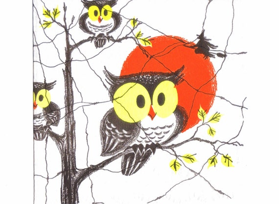 1960s HALLOWEEN NAPKIN - Hooty Owls In Trees, Witch On Broomstick, Big Spider Web - Vintage