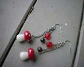 mushaboom - earrings - glass - dangle - mushrooms