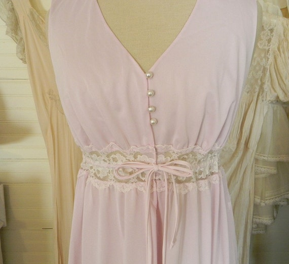 Vintage Nightgown, 1960s Pink Nightgown Size Small