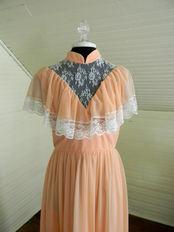 Vintage Victorian Style Formal Gown, Bridesmaid, Prom dress Size Med.
