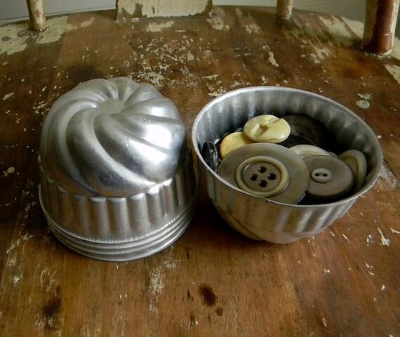 Vintage Tin Jello Mold, 50s Industrial Metal Home Decor