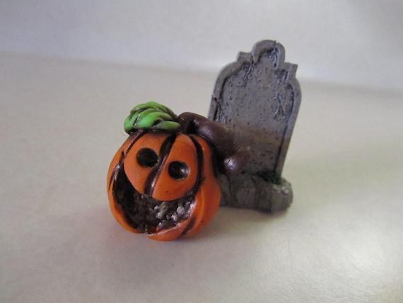 Halloween Miniature Pumpkin Jack O Lantern sculpture