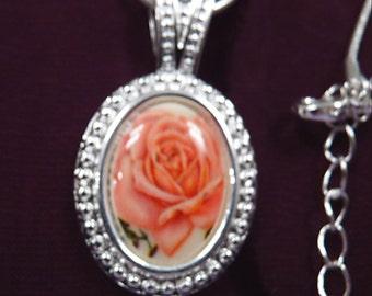 Prettiest Peach Rose-Necklace R 4054