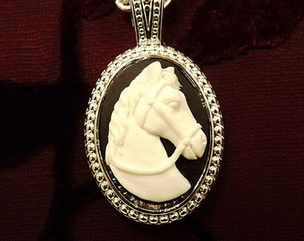 A Horse With No Name-Necklace R 9320