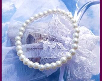 CLEARANCE  Plain Pearl- Bracelet- Gift  5 Dollars  U 5346