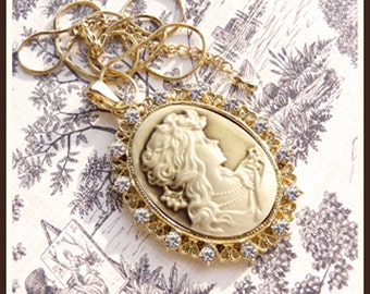 CLEARANCE-Roaring 1920's Repro Cameo- Lovely Maiden -Necklace  U 5460