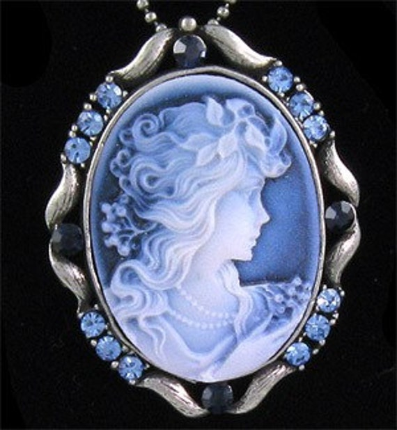 Victorian Beauty-Repro Roaring 20's Cameo-Necklace  R 9767