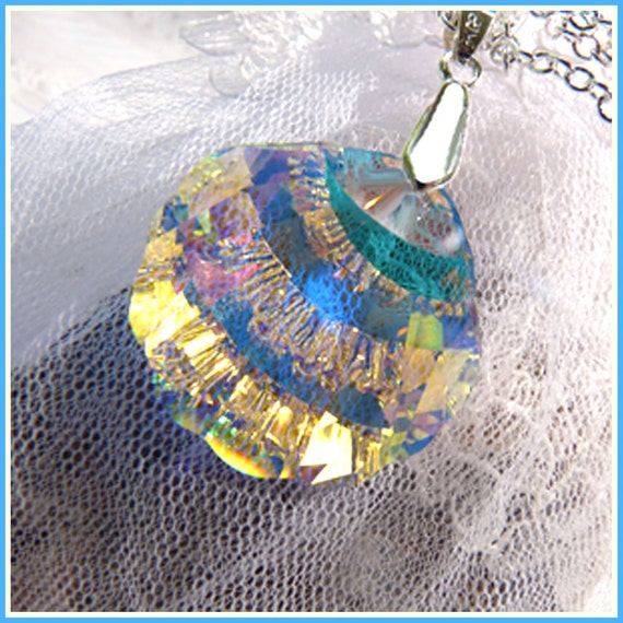 Crystal Waters Shell - Crystal - Necklace  C 7902