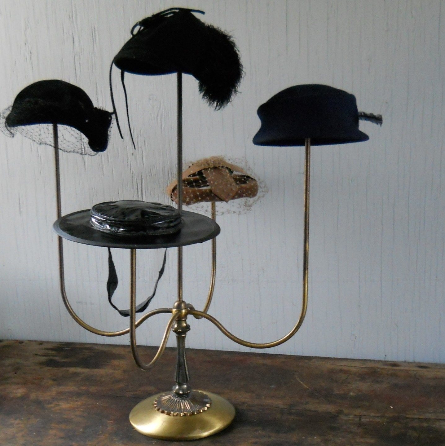 Exhibition Stand Vintage : Vintage counter top hat display stand