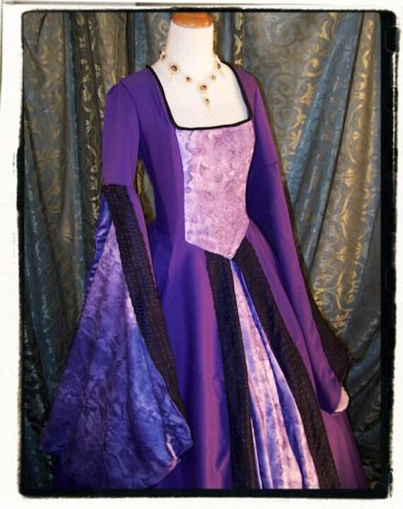Purple Haze Tudor Court Renaissance Dress Size Small