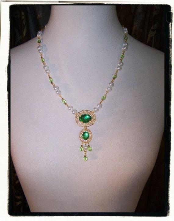 Green Envy Renaissance Tudor Necklace