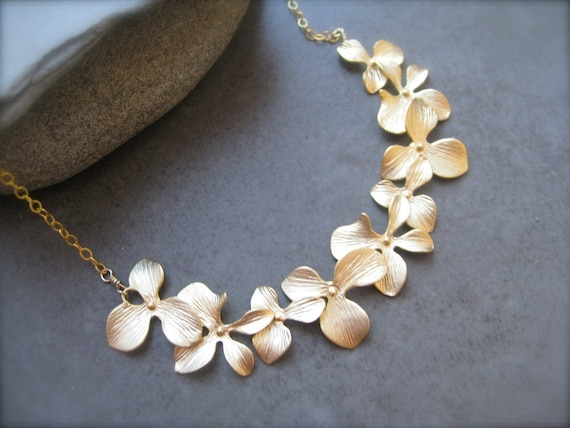 Romantic Flower Necklace, wedding Jewelry, Bridesmaid gift