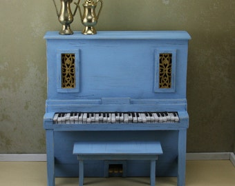 Old Blue piano with Moving Keys - 12-04-002