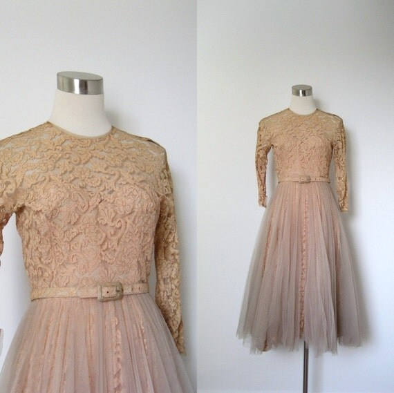 1950s Wedding Gown: 1950s Wedding Dress / 50s Pale Pink Lace Gown / Full Skirt