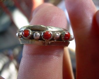 Ethnic Vintage Silver and red Coral unsigned ring with detailed silver braided rope like accent, Thick ring
