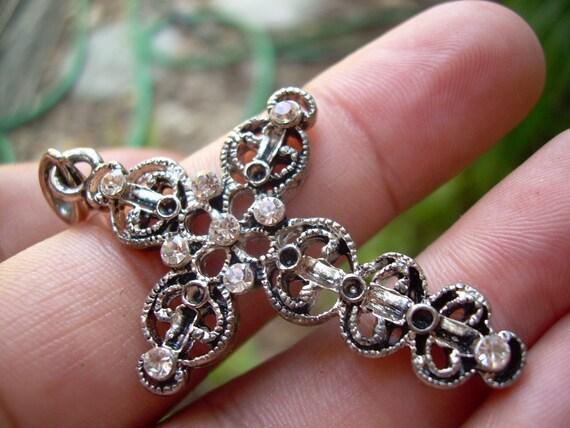 Silver tone openwork and rhinestone Vintage cross pendant