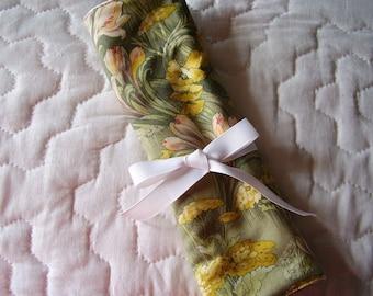 Floral  Crochet Hook DPN Case Yarn Organizer-1