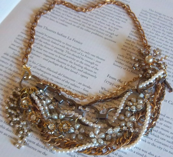 Pearl Rhinestone Chunky Bib Statement Vintage Necklace - Goldie McFlower Necklace