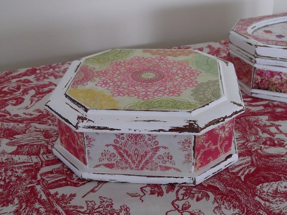 """Jewelry box in French Toile  part of the """"Summer Breeze Collection"""""""