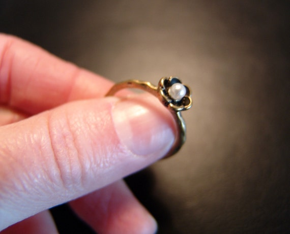 Vintage Brass Tiny Flower Ring with Pearl  US 7  UK N
