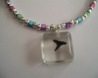 "16"" Multi-colored beaded Shark Tooth Necklace"