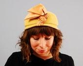 Vintage 1960s GOLDENROD velour turban-style hat