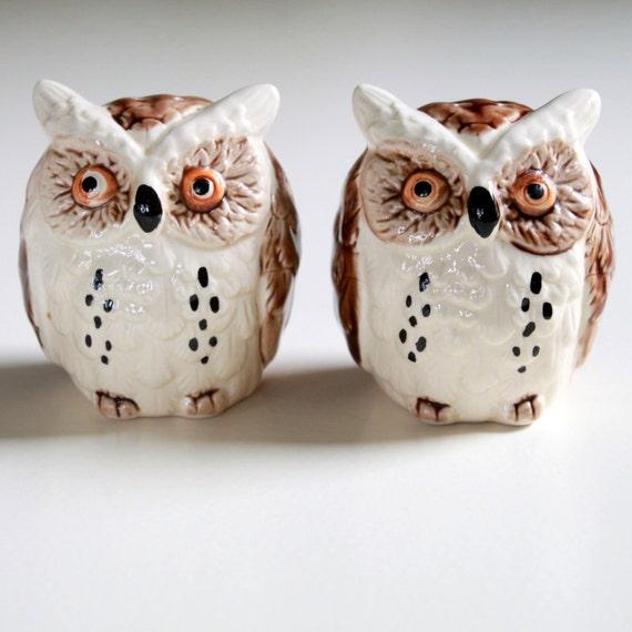 Vintage Japan Ceramic Owl Figurines - Salt and  Pepper Shaker Set