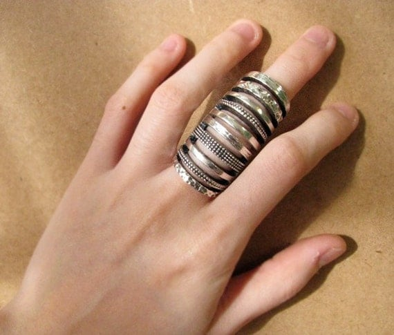 S A L E  The Knuckle Cage Hinged Ring 5/6