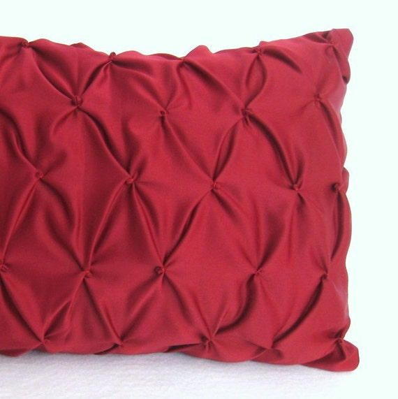 Knot Pattern Red Decorative Pillow by Petette on Etsy