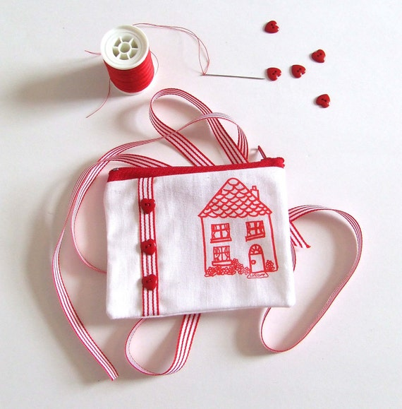 Zip Pouch Change Purse Country Cottage House in Red and White