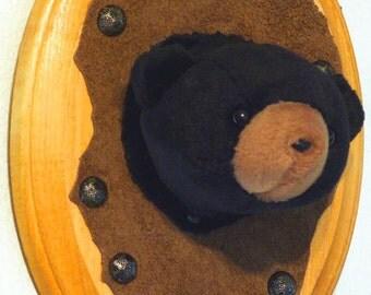 Mounted Beanie Black Bear