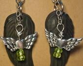 Black Magic Earwings - Black Earrings with Peridot toxidlotus