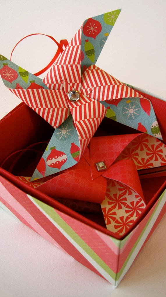 Jingle Bell Rock Holiday Pinwheel Ornament Set of 3 in Gift Box by Rule42