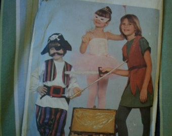 CLEARANCE Butterick 4010 Childrens Peter Pan Costumes Size 3-6X