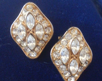 Italian Couture 1970s Vintage Earrings  -  Crystal and Golden tone for the bride by sophisticated styling -- art.636-