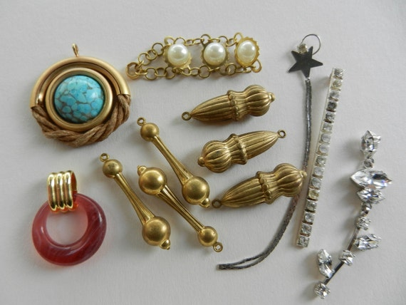 Mix of charms, pendants and components to assemble, 1950-1960 vintage Italian-to create uniqueness - art.358 -