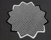 Crochet Blanket - 60 inch Star - Black\/White Spiral