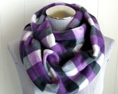 Unisex Purple Buffalo Plaid Infinity Scarf, Fleece Violet, Charcoal, Gray and White Check Plaid Loop Cowl Scarf