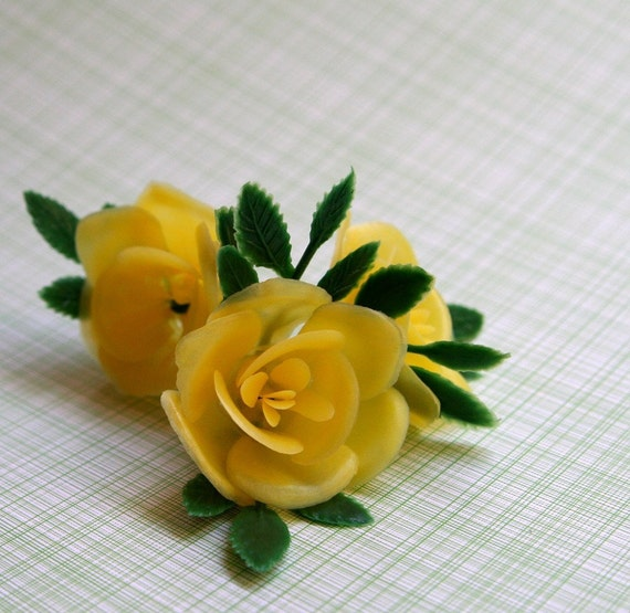 SALE: Yellow Rose Cupcake Toppers (12)