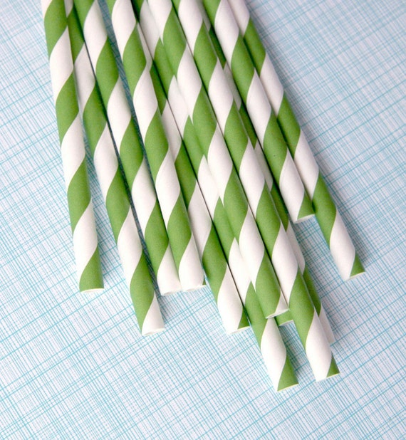 Kelly Green Striped Paper Straws with Free Printable DIY Flags (50)
