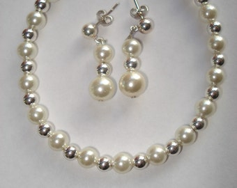 Silver and Pearls Bracelet and Earings