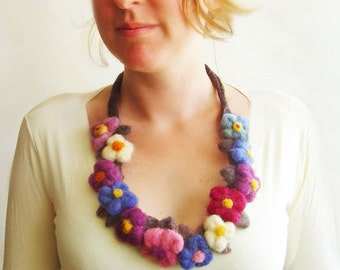 felt flowers necklace, statement necklace, bib necklace, eco friendly, spring fashion