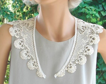 Antique LACE COLLAR. 1920 - 1930s. Ivory or Oyster Cotton Guipure Lace Motifs, Lapels, Epaulets. Timeless Chic