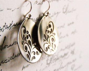 Metalwork flower earrings